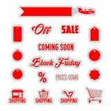 Röda vektorrabattetiketter som shoppar symboler, supermarketspårvagn, flygplanbaner som isoleras på vit bakgrund _ Royaltyfri Fotografi