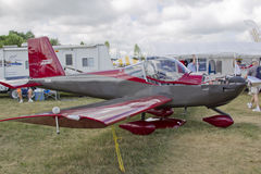 Rödbruna & kopparJaribu 2200 RV-12 Royaltyfri Bild