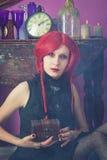 Rödhårig man Alice i underland Royaltyfri Bild