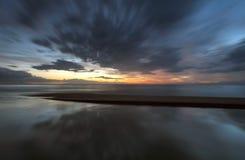 Rök över vattnet Fotografering för Bildbyråer