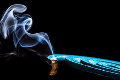 Rök av myggaimpregneringsmedlet Royaltyfri Foto