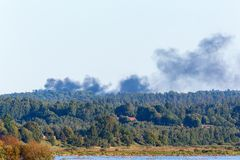 Rök från en skogsbrand Fotografering för Bildbyråer