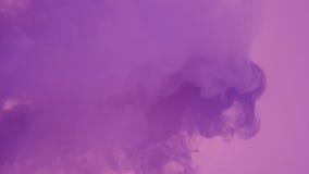 Rök med violett ljus royaltyfria foton