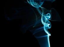Rök på en svart bakgrund Royaltyfria Bilder