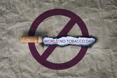 rökande stopp för broken cigarettbegrepp Fotografering för Bildbyråer