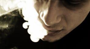 rökare Fotografering för Bildbyråer