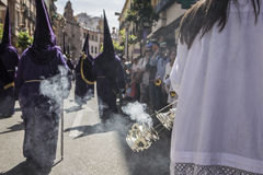 Rökelsekar av silver eller alpaca som bränner rökelse i den heliga veckan, Spa Royaltyfri Fotografi
