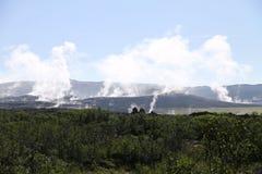 Rökigt icelandic landskap royaltyfria bilder