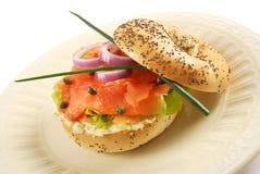 Rökte Salmon Bagel Sandwich Arkivfoto