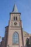 Römisch-katholische Kirche in der Mitte von Winschoten stockfotografie