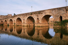 Römische Brücke in Mérida Stockbild