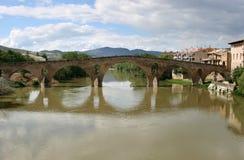Römische Brücke von Puente La Reina, Spanien Lizenzfreies Stockbild