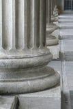 Römische griechische Architektur-Auslegung in den Pfosten oder in Colu Stockfoto