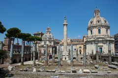 Römische Ruinen in Italien stockfotografie