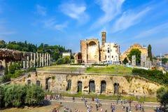 Römische Ruinen in Rom, Forum Stockbilder