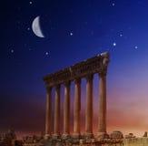 Römische Spalten in Heliopolis, Baalbeck, der Libanon Stockfotografie