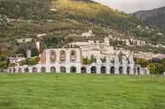 Römischer Amphitheatre in Gubbio Stockfotos