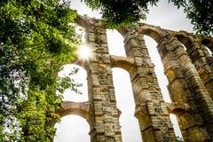 Römischer Aquädukt Acueducto de Los Milagros in Mérida, Spanien Stockbild