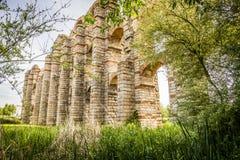 Römischer Aquädukt Acueducto de Los Milagros in Mérida, Spanien Lizenzfreie Stockfotografie