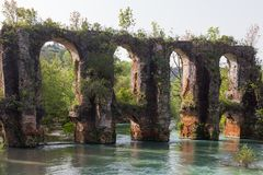 Römischer Aquädukt im Dorf von Agios Georgios Preveza Greece Stockbild