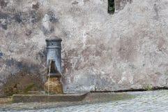 Römischer Trinkbrunnen stockbild