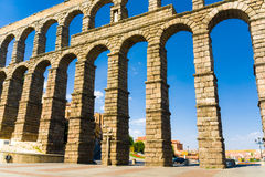 Römisches acqueduct in Segovia nahe Madrid, Spanien Stockfotos