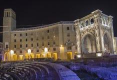Römisches Arena lecce durch Nachtszene Stockfotos