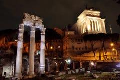 Römisches Forum und Vittorio Emanuele Denkmal stockbilder