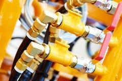 Rör för hydrauliskt tryck och anslutningsmonteringar av industriell utrustning fotografering för bildbyråer