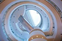 röra sig i spiral trappa Royaltyfri Bild