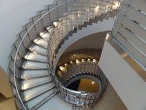Röra sig i spiral trappuppgången Fotografering för Bildbyråer