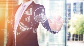 Rörande teknologimanöverenhet för affärsman med affär och fina Arkivbild