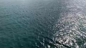 Rörelse av blått gör klar vågen på havsbakgrunden, arkivfilmer