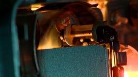 Rörelse av filmfilmen är i en filmkamera Arkivfoton