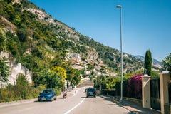Rörelse av medel på motorvägen, motorway nära i förort av Mona royaltyfri bild