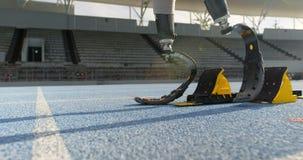 Rörelsehindrat idrotts- få klart för loppet 4k lager videofilmer