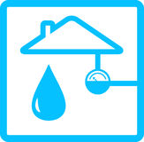Rörledning med metern av vatten och droppe Arkivfoton