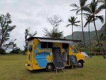 Rörledning nya pressande Cane Juice Food Truck som drivas med sol- Royaltyfria Foton