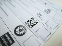 Rösta formen med den Labour logoen arkivfoto