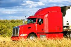 Rött åka lastbil Royaltyfri Foto