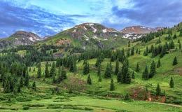 Rött bergpasserande, San Juan Mountains, Colorado Arkivfoto