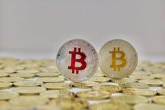 Rött bitcoinmynt Royaltyfri Bild