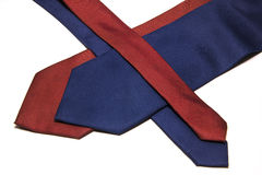 Rött blåttband på en vit bakgrund Royaltyfri Bild
