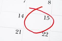 RÖTT CIRKLA Fläck på kalendern på 15th Arkivfoton