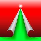 Rött designsnittpapper som ett grönt träd royaltyfri bild