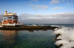 rött hav för blått kanthus Fotografering för Bildbyråer