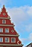 rött hus som målas Royaltyfri Fotografi