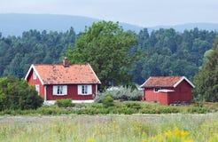 rött litet för hus arkivbild