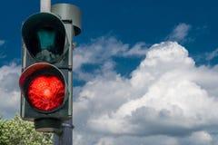 Rött ljus - himmel kan vänta Royaltyfria Bilder