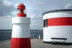 Rött och vitt - sommar Danmark & x28; landscape& x29; royaltyfria bilder